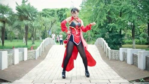 长腿美女穿黑丝秀舞技,《桃花旗袍》翻跳的就是好看