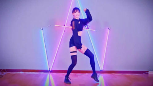 这腿简直绝了!美女深夜跳《POP STARS》太诱惑,完全顶不住了