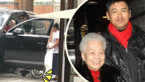网友偶遇周润发陪妈妈吃饭 发哥细心搀扶97岁妈妈坐轮椅