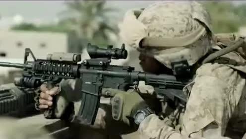 看士兵扛枪展开急速复仇, 真是燃爆了!
