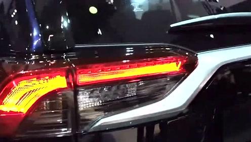 全新2019款丰田RAV4实拍,看了惊艳的外观内饰买不买自己决定