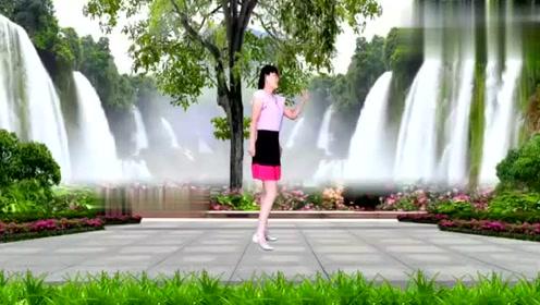 广场舞《爱拼才会赢》,熟悉的旋律,动感时尚,一起来跳舞吧!