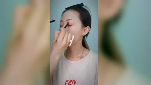 化妆教程,很美的一个妆容