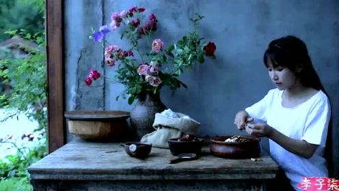 美食李子柒:诗一般的田园生活,蓼茸蒿笋试春盘,人间有味是清欢!
