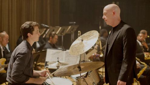 少年一心想成为顶级鼓手,意外被魔鬼导师相中,最终改变人生