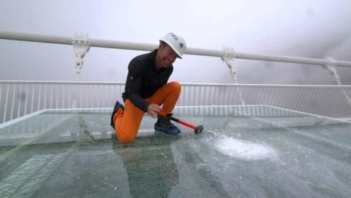 老外质疑中国钢化玻璃的质量,拿起锤子疯狂砸下去,瞬间打脸!