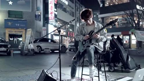 牛人街头吉他演奏《月光奏鸣曲》超级燃