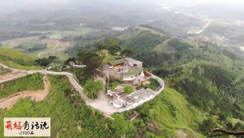 富豪在山顶上花费数百万建豪宅,犹如人间仙境,美不胜收!