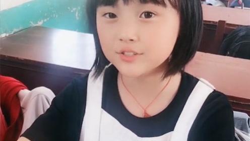 不愧是邓紫棋点赞的小女孩,网上这么多人翻唱,只有她敢唱副歌!