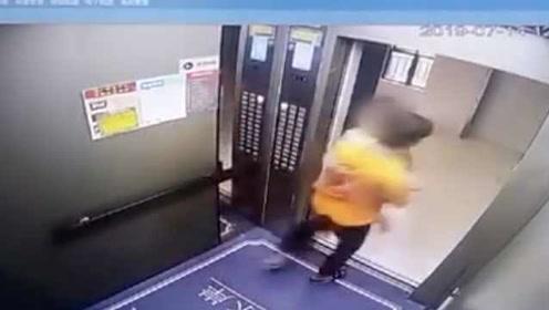 惊险一幕!女孩电梯内被陌生男子强行抱走,监控拍下全程
