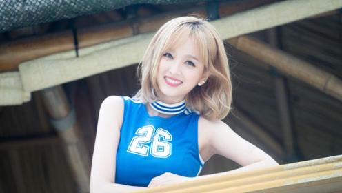 粉丝怼到吴宣仪脸上拍照 看到她下意识的反应:素质是装不出来的