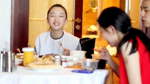 周冬雨晚餐绝不碰的食物,几乎人人难以抵抗,怪不得她只有74斤