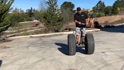 老外奇葩改装,将汽车轮胎装平衡车上,网友:会不会直接飞出去?