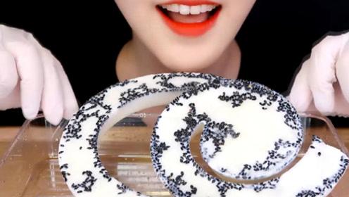"""吃播美食之""""螺旋牛奶"""" 网红美食让人吃得停不下来"""