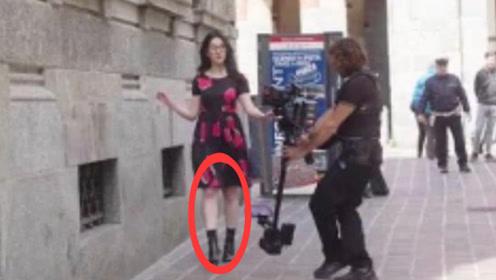 刘亦菲近照曝光,大腿粗壮引人注意,网友:这还是神仙姐姐吗?