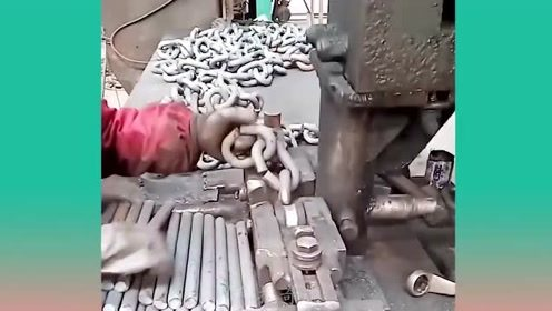 实拍工厂机械制造!令人满意的加工过程