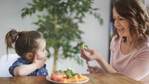 童年时期,要让孩子吃4种苦,他未来才能走的更远