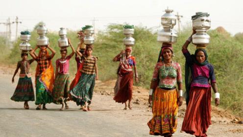 """不一样的小妾,印度""""水妻""""只需给丈夫""""取水""""!"""