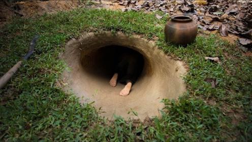 地上房子住不起,小伙在地下挖出泳池豪宅,钻进隧道见识一下!