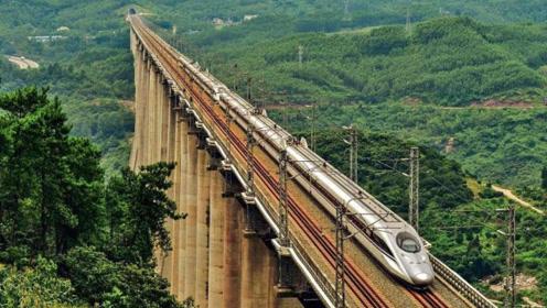 """我国""""最难熬""""的高铁,全程7个小时,有一个缺点乘务员也没办法"""