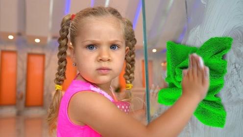 懂事的萌娃主动帮忙干家务,没想到哥哥一直捣乱,小萝莉气坏了!