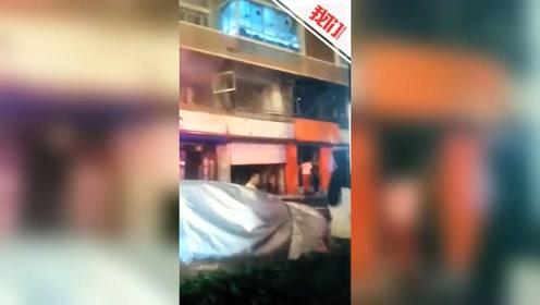 辽宁北票一饭店后厨爆炸致9人受伤 百米外店铺卷帘门被炸开