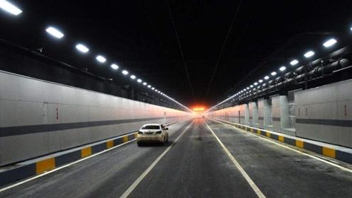 进入隧道后,为什么老司机都不靠右侧走?原因令新手后怕!
