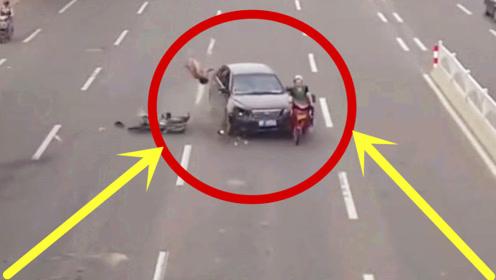 两个电车女子如此任性开车,我别无选择的撞了上去!