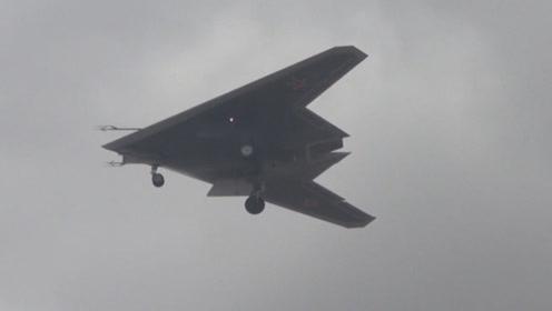 """俄""""猎人""""飞行视频公布 飞翼布局 可同时跟踪数十个海陆空目标"""