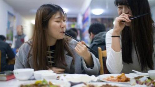 越南美女哭诉,去中国旅游一顿饭吃了430万,被宰太狠了!