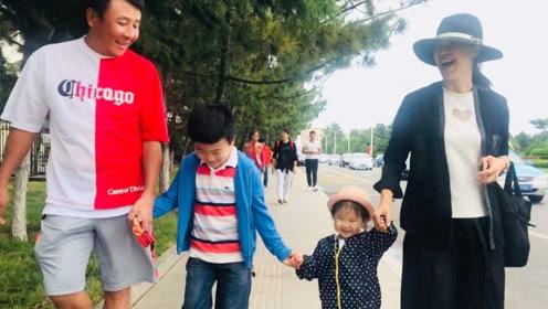 张怡宁身价千万,为何选择嫁给58岁老公?真实原因太暖心