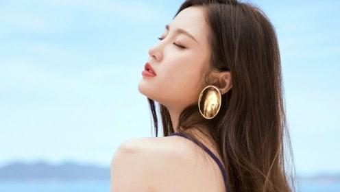女演员姚星彤深V长裙 出席活动尽显性感