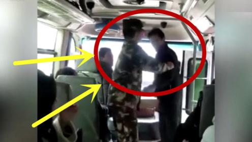 男子抢公交方向盘!武警将其一把拽回,真是不能原谅!