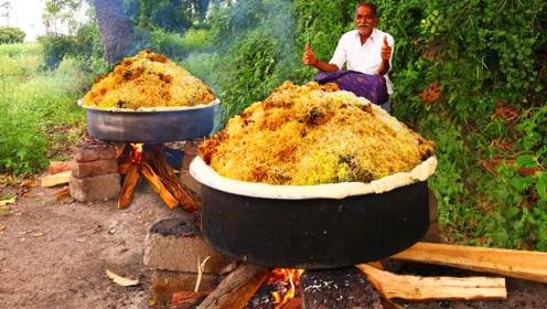 印度鸡肉炖大米,把鸡腿和大米一锅煮,这样的印度美食很美味