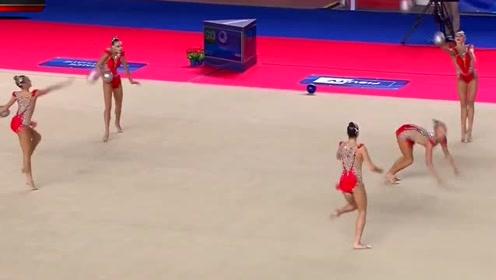 日本美女体操,没想到大长腿的衣服太小,下一幕尴尬了
