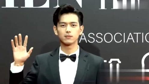 李现亮相GQ十周年庆典红毯:穿上韩商言的西装依旧是那么帅气