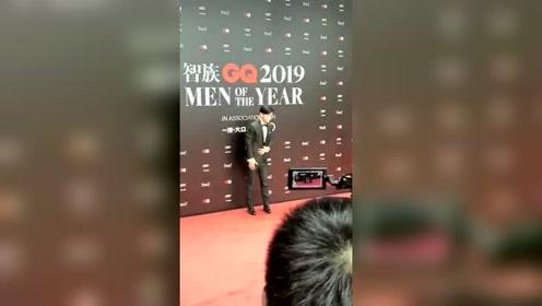 GQ十年人物盛典:邓伦来了!!