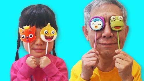 嘴馋的爷爷为了偷萌宝的糖吃,竟躲在了电视机里,萌宝吓了一跳!