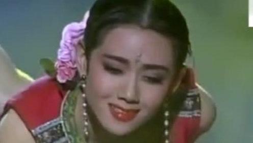 杨丽萍年轻时跳舞录像,真是太漂亮了,观众:舞蹈仙子