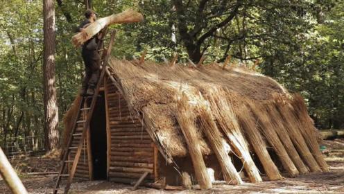 在森林里搭建一座茅草屋,人们的祖先也是这样建造住所的么?