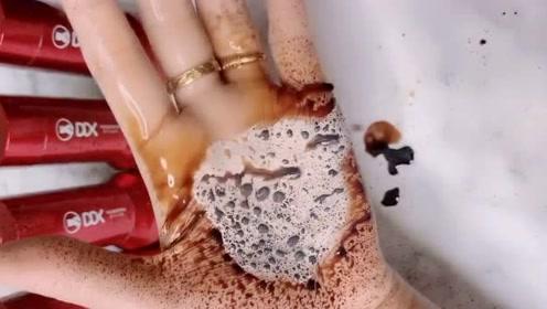 新买的气垫怎么喷上酱油竟然都还能用,防水效果这么好的吗?