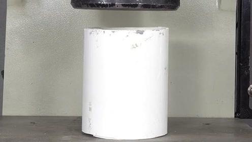 液压机下的PVC水管,这质量能过关吗?