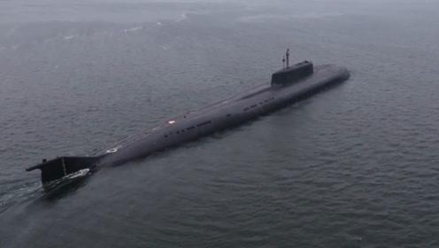 """""""航母杀手""""亮剑!俄核潜艇试射导弹 命中350公里外靶舰"""