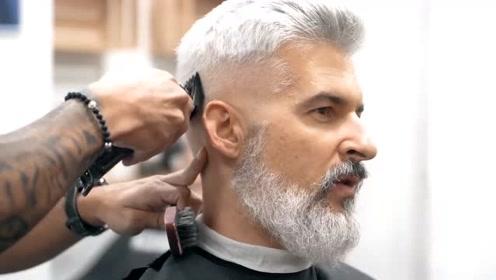 果然清爽的男士最加分,大叔把胡子和发型修一修后,帅气如网红!