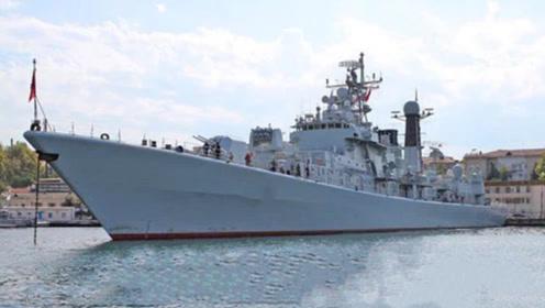 加拿大军舰穿越重要海峡,航行中开启识别系统,大国作出回应