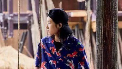 奶奶同款花衬衫引领新潮流?杨紫穿上变时尚,张子枫成复古少女
