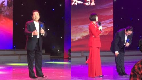 80岁李双江回家乡献唱,深度鞠躬敬礼,歌声嘹亮身材挺拔