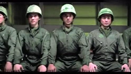两排军人哪排是真正的特种兵?看坐姿秒懂,军人的素质太厉害了!