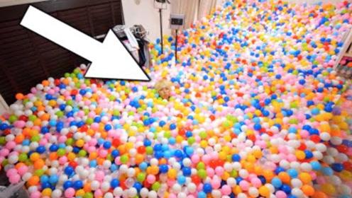 日本小哥买50000个海洋球,作死将房间填满,冲进去太好玩了