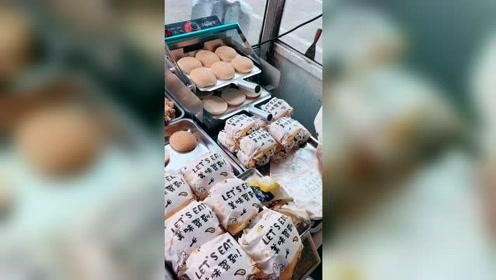 街头现做现卖的小汉堡,真招人喜欢!